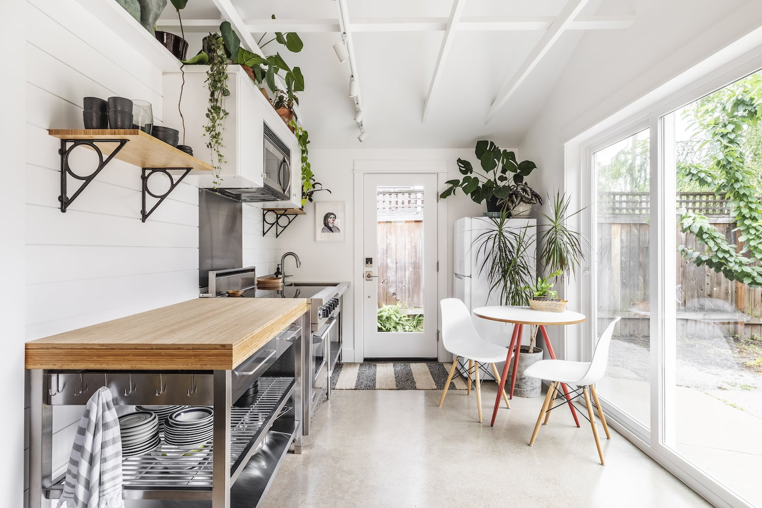 Beech Haus ADU - Kitchen, Vaulted Ceiling, Open Shelving, Polished Concrete Flooring, Stainless Steel
