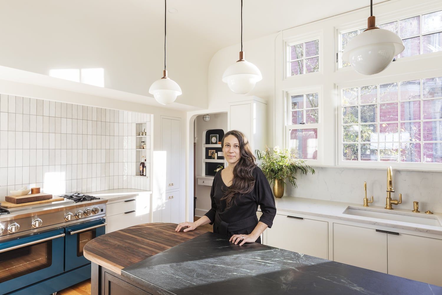 Willamette Heights - kitchen with designer stephanie dyer, soapstone and walnut counters at curved island